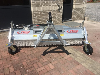 Fliegl sweeper